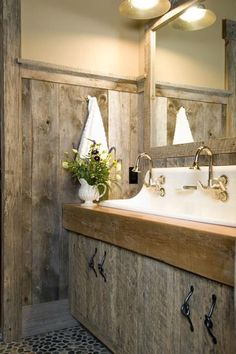 love this sink!!  Where can I find a vintage sink??