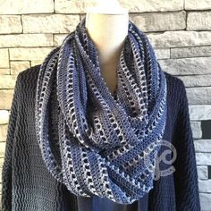 As soon as I released the pattern for the 'Crazy Circles' bag, I had the idea in my mind to also design a blanket in this technique. Crochet Shawls And Wraps, Crochet Cardigan, Crochet Scarves, Crochet Hats, Bead Crochet, Diy Crochet, Crochet Things, Knitting Projects, Crochet Projects