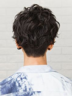 Popular Haircuts For Short Hair Men Short Curly Hair, Short Hair Cuts, Curly Hair Styles, Androgynous Haircut, Hair Reference, Aesthetic Hair, Popular Haircuts, Grunge Hair, Great Hair