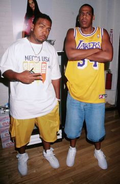 Rappers Timbaland and Jay Z at the promo for new fashion line. Hip Hop Fashion, Fashion Line, Urban Fashion, 90s Fashion, Queer Fashion, Fashion Styles, Fashion Dresses, Young Jay Z, Ropa Hip Hop