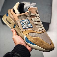 New banance Kith x United Arrows and Sons Kicks Shoes, New Shoes, Men's Shoes, Shoe Boots, Shoes Sneakers, Adidas Sneakers, Sneaker Outfits, Sneaker Boots, Sneakers Mode