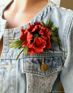Red leather flower corsage poppy flower brooch leather gift for her floral broach leather poppy brooch birthday gift third anniversary This gorgeous leather flower poppy corsage brooch is completely handmade of finest genuine Diy Leather Earrings, Leather Jewelry, Leather Craft, Brooches Handmade, Handmade Flowers, Leather Gifts For Her, 1920s Fashion Dresses, Boutonniere, Poppy Brooches