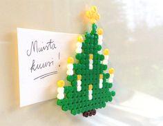 Hamahelmimagneetti. lasten | askartelu | joulu | käsityöt | koti | DIY ideas | kid crafts | christmas | home | Pikku Kakkonen
