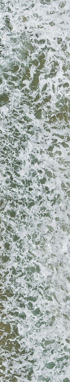 World Water Day - Dia Mundial da Água:  Grupo de pessoas na Praia de Copacabana, parte 4 de 4. Fotografias aéreas de praias e natureza.