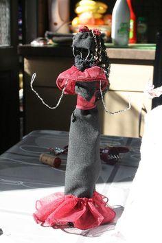 Je vous ai montré ici plusieurs modèles de poupées en fil de fer pour rappel…