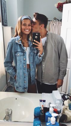 💝 Fun SMS Chat Inspiration for couples on romantic dates? 💝 Fun SMS Chat Inspiration for couples on romantic dates? Cute Couples Photos, Cute Couple Pictures, Cute Couples Goals, Couple Goals, Couple Photos, Couple Ideas, Wanting A Boyfriend, Boyfriend Goals, Future Boyfriend