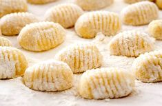 There's nothing like taking a bite of perfect, pillowy gnocchi. On the other hand, there's also the fear of tough, brick-like gnocchi that you've. Gnocchi Sauce, Potato Gnocchi Recipe, Baked Gnocchi, Sweet Potato Gnocchi, Gnocchi Dishes, Gnocchi Pasta, Gnocchi Sans Gluten, Olive Garden Chicken Gnocchi, Italian Potatoes