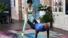 Four super effective exercises that you can do with a partner Lunges, Squats, Knee Up, Significant Other, You Can Do, Something To Do, Exercises, Workout, Fitness