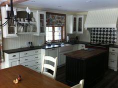 Cuisine campagnard en merisier blanc avec comptoir en granite