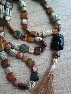 Willkommen in meiner Buddha - Kollektion !  UNIKATE: Buddha Malas ich wünsche Ihnen viel Freude an diesen wunderbaren Einzelstücken.  Jedes wurde von uns in Deutschland handgefertigt und ist die dieser Kombination einzigartig und nur bei uns zu bestellen.  Ihre Online Juweliere  www.schmuck-engel.de Buddha Armband, Amethyst, Beaded Bracelets, Yoga, Men, Inspiration, Jewelry, Fashion, Necklaces