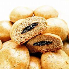 🐰 Velikonoční edice 🐣: Perníčky plněné povidly (hned měkké) Cakepops, Bagel, Food And Drink, Bread, Cupcakes, Blog, Cake Pop, Cupcake, Blogging