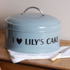 Find all kinds of Mother's Day gifts for grandmas - from personalised prints and books, to mugs and thoughtful things to show grandma she's loved. Lily Cake, Personalized Cakes, Cake Tins, Mother Gifts, Sweet Treats, Birthday Gifts, Kitchen Stuff, Ideas, Birthday Presents
