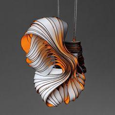 Paper art : bijoux et sculptures par Lydia Hirte