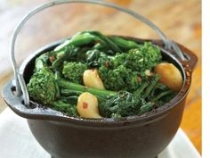 Broccoli Rabe | Recipe | Broccoli Rabe Recipe, Martha Stewart Recipes ...