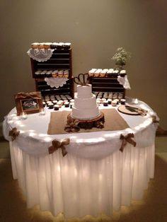 Bridal Shower Cakes Rustic, Rustic Wedding Showers, Wedding Shower Decorations, Bridal Decorations, Wedding Prep, Our Wedding Day, Wedding Table, Wedding Ideas, Wedding Desserts