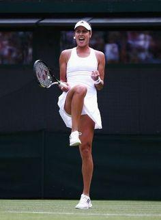 Maria Sharapova Tennis without Panties Ana Ivanovic, Lawn Tennis, Sport Tennis, Soccer, Sharapova Tennis, Maria Sharapova, French Open, Foto Sport, Tennis Clothes