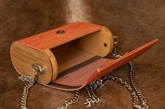 Bamboo and wooden bag Bamboo and wooden bag Leather Bag Tutorial, Wooden Bag, Photo Boxes, Made Of Wood, Leather Working, Woody, Leather Craft, Bag Making, Handbags
