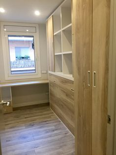 Habitación juvenil Armoire, Living Spaces, Closet, Furniture, Home Decor, Teenage Room, Nail Decorations, Youth Rooms, Closets