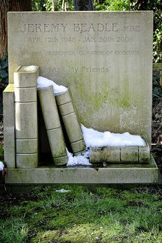 (14) highgate cemetery | Tumblr