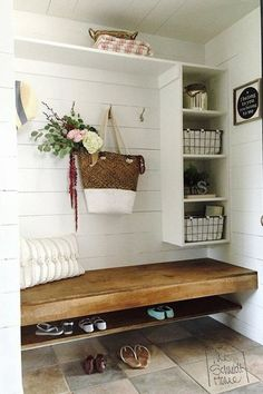 11 Stunning Examples of Farmhouse Shiplap Paneling: I'm dreaming of a farmhouse shiplap paneling accent wall in our bedroom, or in our living room. deko eingangsbereich holz Shiplap Paneling -- 11 Stunning Examples of the Farmhouse Shiplap Look Flur Design, Home Design, Interior Design, Built In Bench, Bench With Storage, Storage Bench Seating, Storage Ideas, Storage Solutions, Style At Home
