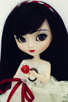 Snow White Pullip