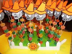 Ideas para una fiesta de Plantas contra Zombies Zombie Birthday Parties, 5th Birthday Party Ideas, Zombie Party, Plants Vs Zombies, Monster Party, Plantas Versus Zombies, Plant Zombie, Halloween Entertaining, Video Game Party