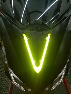 T Max 530, Scooter Shop, Knight Shield, Michael Jordan Basketball, B Line, Taiwan, Yamaha, Motorcycle, Sport