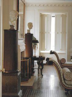 Pure indulgence — books Classic Interior Design: Using Period. Interior Shutters, Interior And Exterior, Interior Design Living Room, Interior Decorating, Dark Wooden Floor, Glam House, Classic Interior, Classic House, Interior Design Inspiration