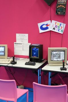 Old school computers with two black joysticks on desks. Vintage Tv, Vintage Magazines, Tech Image, Pink Wallpaper Backgrounds, School Computers, Wooden Rack, Focus Photography, Decorating With Pictures, White Paneling
