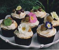 Petite Kitchen's Lemony Almond Cupcakes Recipe