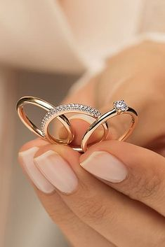 Utterly Gorgeous Engagement Ring Ideas ★ See more: www.weddingforwar… Utterly Gorgeous Engagement Ring Ideas ★ See more: www. Classic Engagement Rings, Beautiful Engagement Rings, Engagement Ring Styles, Engagement Ring Settings, Engagement Rings Couple, Engagement Ideas, Set Fashion, Fashion Rings, Morganite Engagement