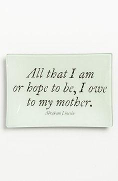 كل ما أنا عليه وماأتمنى أن أكون عليه بفضل أمي