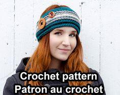 """*** CETTE FICHE EST POUR LE PATRON AU CROCHET SEULEMENT (DOCUMENT NUMÉRIQUE) ET NON LARTICLE PHYSIQUE ***  --------------------------------------  LANGUES : Français ET anglais. (Vous recevrez 2 PDF)  --------------------------------------  NIVEAU : Intermédiaire  --------------------------------------  GRANDEURS DES TUQUES: Petite Fait pour une circonférence de tête de 19"""" – 20 3⁄4"""" (48-53 cm) [Enfant 3-5 ans]  Moyenne Fait pour une circonférence de tête de 21 1⁄4"""" – 22 1⁄2"""" (54-57 cm)…"""