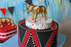 circus centerpiece - Easy circus party decor + free printable