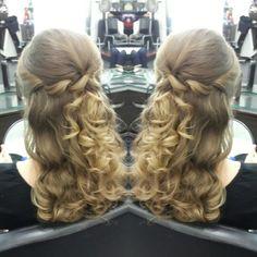 #hair #cabello #hairDo #peinado #mediaCola #waves #ondas #axelmediacola #axelhairdo #axelpeinado #axelupdo #axelrecogido #estilista #peluquero #hairdresser #hairstylist #Panama #pty #pty507 #picoftheday #mirrorphoto #multiplaza #axel04 #behindthechair