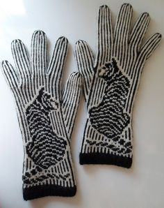 These are pretty amaze-balls. A Tiger Named Tim gloves Crochet Gloves, Knit Mittens, Knitted Hats, Knit Crochet, Knitting Stitches, Knitting Yarn, Knitting Patterns, Fair Isle Knitting, Animal Crafts