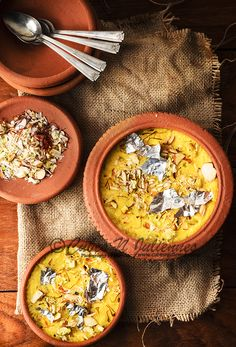 Kesar phirni recipe - It is a delicious classic Indian sweet rice pudding that tastes great and is made in festivals or celebrations. Indian Desserts, Indian Sweets, Indian Dishes, Indian Food Recipes, Colombian Desserts, Arabic Sweets, Christmas Cookie Icing, Christmas Desserts, Delicious Desserts