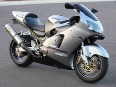 """A pic of the type of motorcycle I used to own.  Kawasaki ZX-12R.  """"The flame that burned twice as bright lasted half as long.""""  Ownership was short lived but wow, what a ride.  Maybe again someday."""