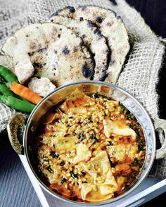 Rajasthani Methi Papad Ki Sabji recipe is simple to cook. A tasty as well as highly nutritious and traditional side dish. Spicy Recipes, Indian Food Recipes, Vegetarian Recipes, Cooking Recipes, Ethnic Recipes, Saag Recipe, Burfi Recipe, Rajasthani Food, Rajasthani Recipes
