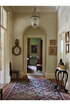 Magnificent Hallway Door – Classical proportions and traditional furnishings combine making this Cornish family home the ideal acquisition – real homes on HOUSE by House & Garden. Georgian Interiors, Georgian Homes, World Of Interiors, Traditional Decor, Traditional House, Home Design, Urban Design, Interior Design, Interior Styling