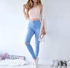 ideas dress blue light jeans for 2019 Teen Fashion Outfits, Girly Outfits, Cute Summer Outfits, Jean Outfits, Outfits For Teens, Fall Outfits, Light Blue Jeans Outfit, Ripped Jeans Outfit, Blue Dress Casual