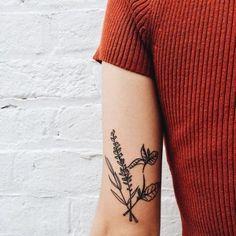 Pin by sebastian murdoch on tattoo ideas татуировки, тату минимализм, эскиз Future Tattoos, New Tattoos, Body Art Tattoos, Small Tattoos, Cool Tattoos, Coeur Tattoo, 1 Tattoo, Piercing Tattoo, Tattoos Friends