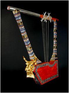 Figura 2 : Genoma de Ur-  Réplica da Harpa Sumérica que se encontra no Museu de Londres.