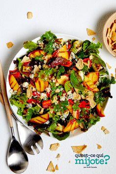 Salade de courgettes, de poivrons et de pêches grillés #recette Zucchini Salad, Grilled Peaches, Cooking Instructions, Grilled Vegetables, Calories, Home Recipes, Dinner Menu, What To Cook, Original Recipe