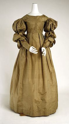 Dress, 1830-1835, The Metropolitan Museum of Art.