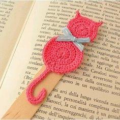 Crochet bookmark Pink cat by RavaNelloShop on Etsy Informations About Items similar to Crochet bookm Crochet Bookmark Pattern, Crochet Bookmarks, Crochet Books, Love Crochet, Crochet Gifts, Crochet Motif, Crochet Flowers, Crochet Stitches, Knit Crochet