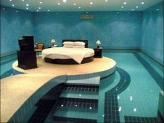 Bedroom Pool. I Want!