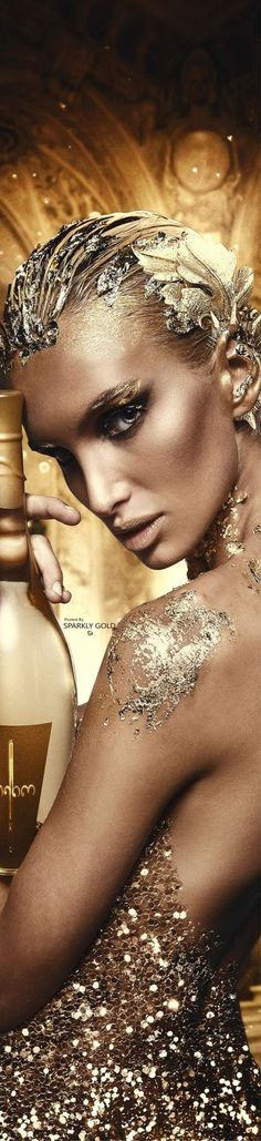 Sparkly Gold: Photo