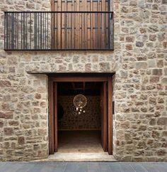 Ramon Esteve Reinterprets Vernacular Architecture For This House In Rubielos de Mora — urdesignmag Interior Design Minimalist, Best Interior Design, Modern Design, Vernacular Architecture, Interior Architecture, Aragon, Casa Hotel, Journal Du Design, Rural House