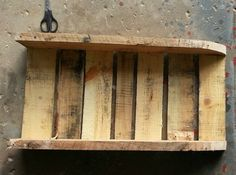 Build Your Own Sled out of an Old Pallet